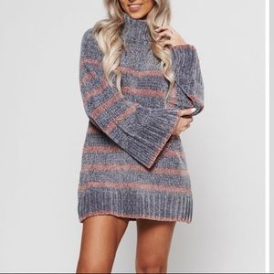 Sweaters - Grey and print stripe turtleneck sweater NWT